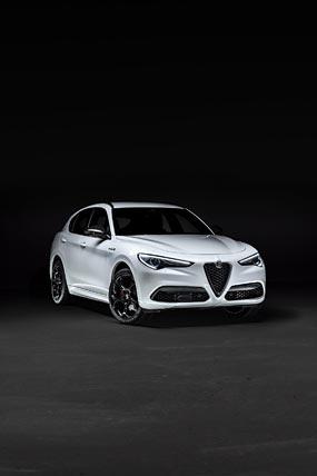 2021 Alfa Romeo Stelvio Veloce Ti phone wallpaper thumbnail.