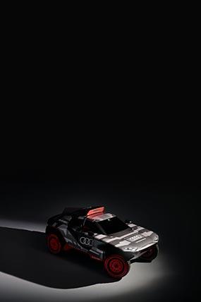 2022 Audi RS Q E-Tron phone wallpaper thumbnail.