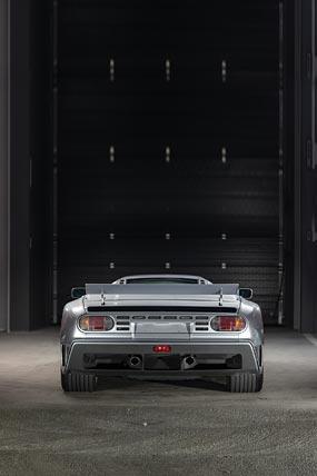 1993 Bugatti EB110 SuperSport phone wallpaper thumbnail.