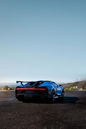 2021 Bugatti Chiron Pur Sport phone wallpaper thumbnail.