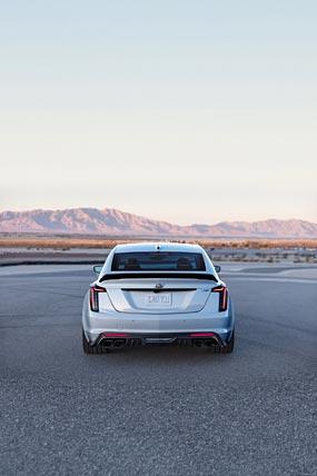 2022 Cadillac CT5-V Blackwing phone wallpaper thumbnail.