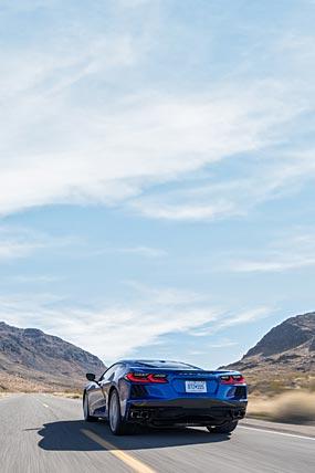 2020 Chevrolet Corvette Stingray phone wallpaper thumbnail.