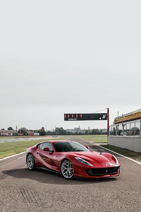 2018 Ferrari 812 Superfast phone wallpaper thumbnail.