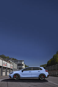 2021 Hyundai i30 N phone wallpaper thumbnail.