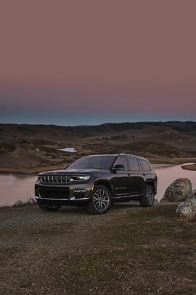 2021 Jeep Grand Cherokee L phone wallpaper thumbnail.