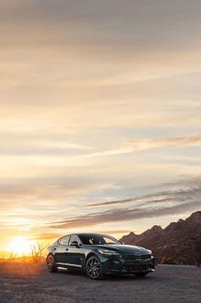 2022 Kia Stinger GT phone wallpaper thumbnail.
