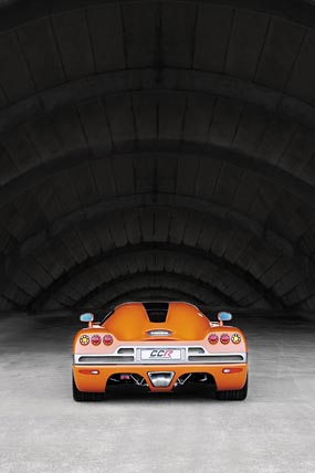 2004 Koenigsegg CCR phone wallpaper thumbnail.