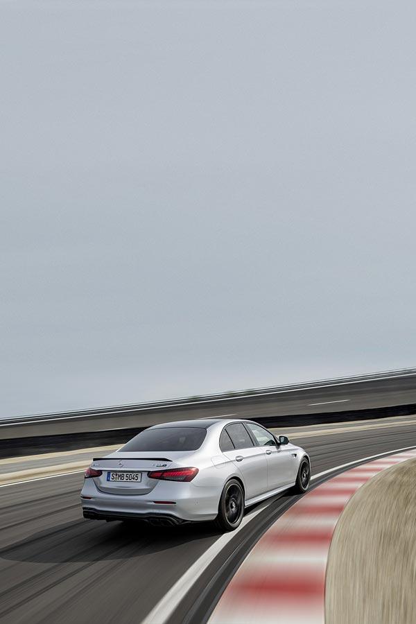 2021 Mercedes-AMG E63 S phone wallpaper thumbnail.