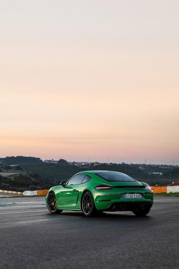 2020 Porsche 718 Cayman GTS 4.0 phone wallpaper thumbnail.