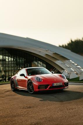 2022 Porsche 911 Carrera 4 GTS phone wallpaper thumbnail.