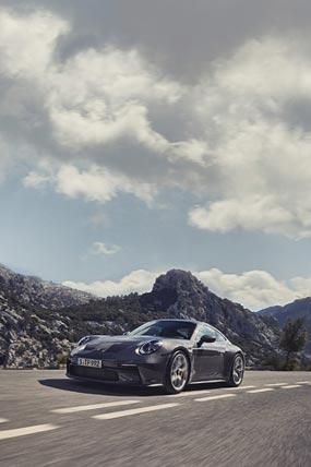 2022 Porsche 911 GT3 Touring phone wallpaper thumbnail.