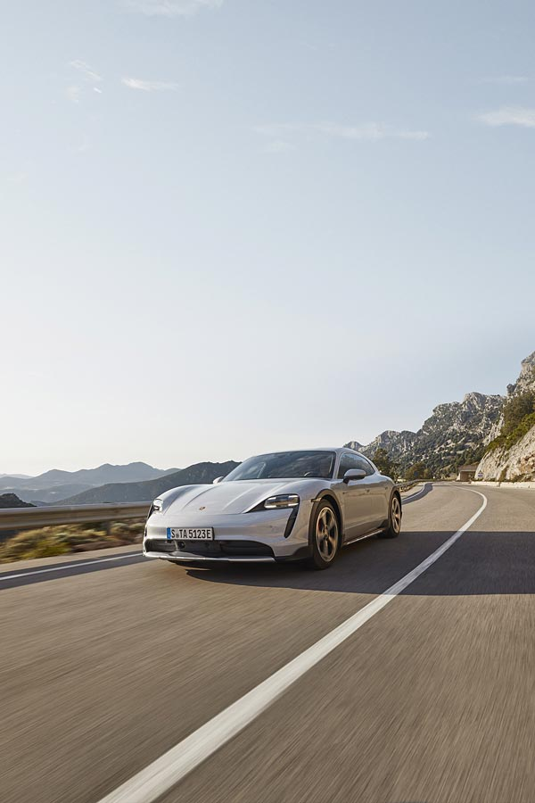 2021 Porsche Taycan 4S Cross Turismo phone wallpaper thumbnail.