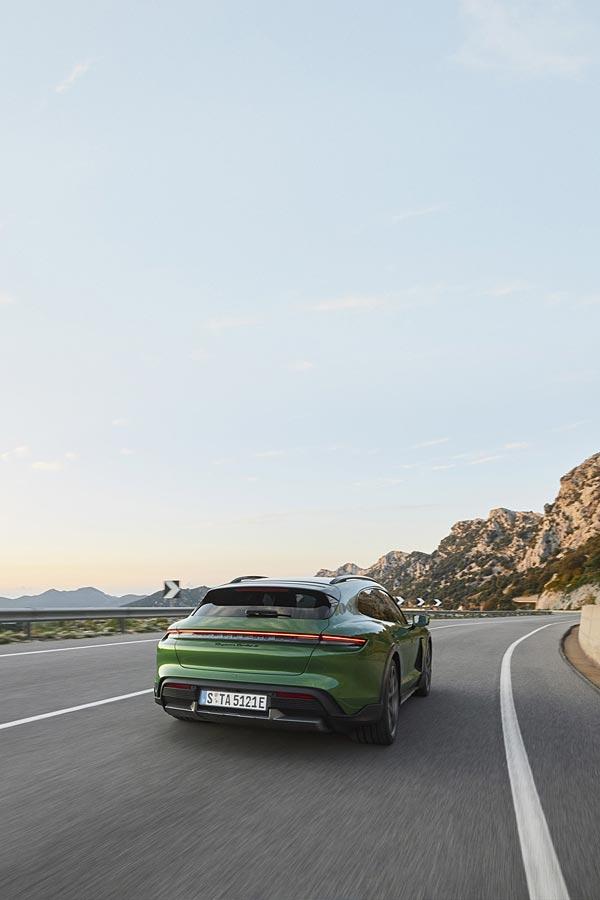 2021 Porsche Taycan Turbo S Cross Turismo phone wallpaper thumbnail.