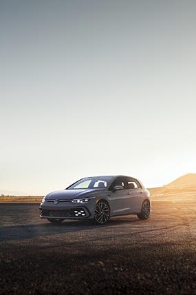 2021 Volkswagen Golf GTI phone wallpaper thumbnail.