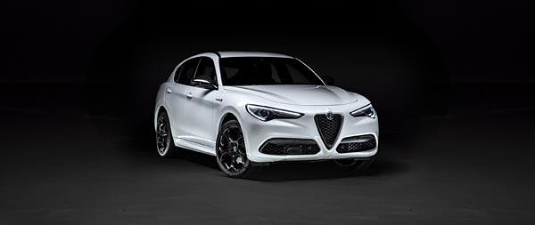 2021 Alfa Romeo Stelvio Veloce Ti wide wallpaper thumbnail.