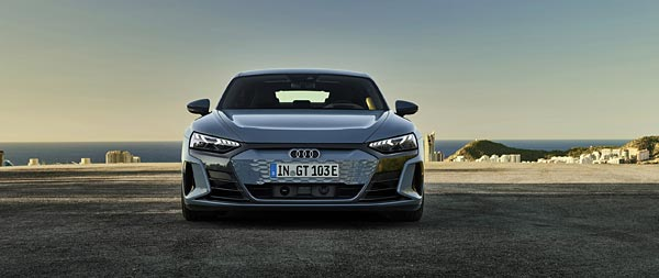 2022 Audi E-Tron GT Quattro wide wallpaper thumbnail.