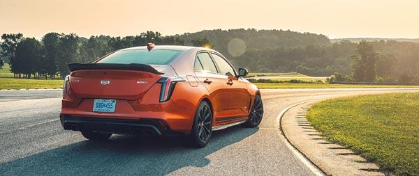 2022 Cadillac CT4-V Blackwing wide wallpaper thumbnail.