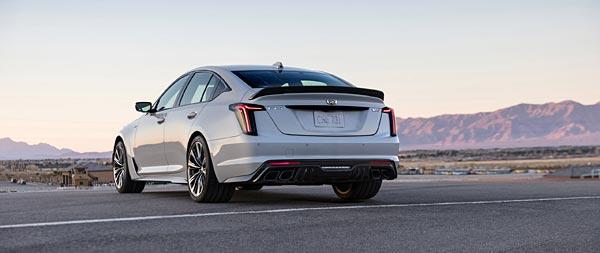 2022 Cadillac CT5-V Blackwing wide wallpaper thumbnail.