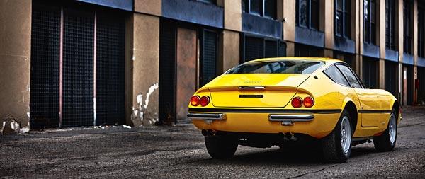 1968 Ferrari 365 GTB4 Daytona wide wallpaper thumbnail.