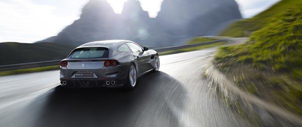 2017 Ferrari GTC4 Lusso wide wallpaper thumbnail.