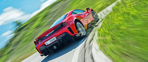 2019 Ferrari 488 Pista wide wallpaper thumbnail.