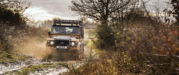 2021 Land Rover Defender Works V8 Trophy wide wallpaper thumbnail.