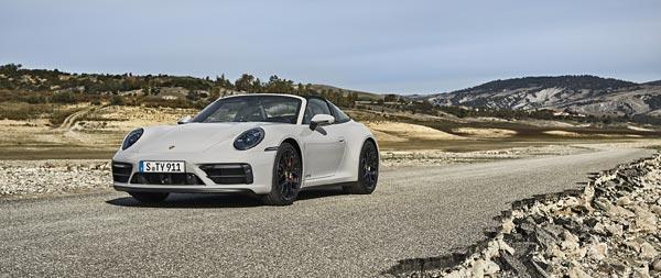 2022 Porsche 911 Targa 4 GTS wide wallpaper thumbnail.