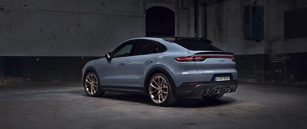 2022 Porsche Cayenne Turbo GT wide wallpaper thumbnail.