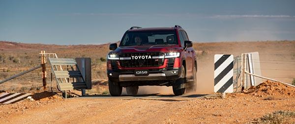 2022 Toyota Land Cruiser GR Sport wide wallpaper thumbnail.