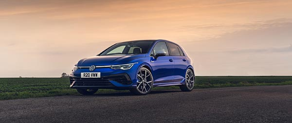2022 Volkswagen Golf R wide wallpaper thumbnail.