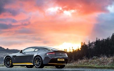 2017 Aston Martin V12 Vantage S wallpaper thumbnail.