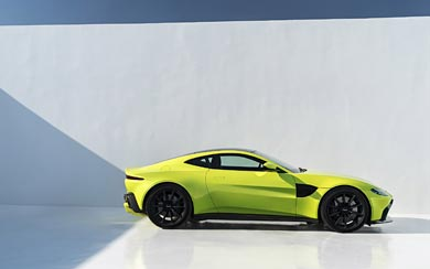 2019 Aston Martin Vantage wallpaper thumbnail.