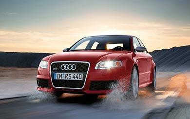 2005 Audi RS4 wallpaper thumbnail.