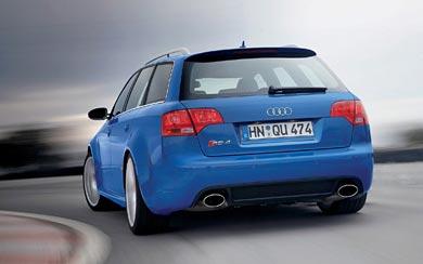 2005 Audi RS4 Avant wallpaper thumbnail.