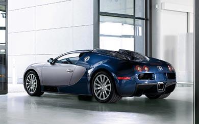 2005 Bugatti Veyron wallpaper thumbnail.