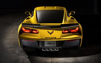 2015 Chevrolet Corvette Z06 wallpaper thumbnail.