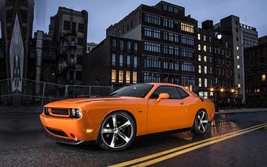 2014 Dodge Challenger R/T Shaker wallpaper thumbnail.