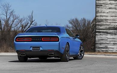 2015 Dodge Challenger wallpaper thumbnail.
