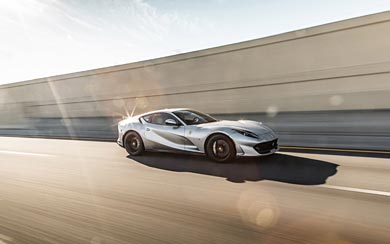 2018 Ferrari 812 Superfast wallpaper thumbnail.
