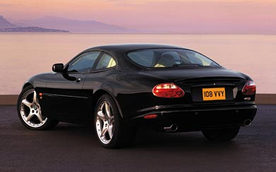 2003 Jaguar XKR Coupe wallpaper thumbnail.