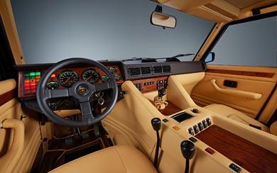 1986 Lamborghini LM002 wallpaper thumbnail.