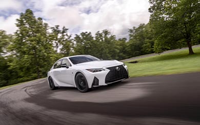 2021 Lexus IS wallpaper thumbnail.