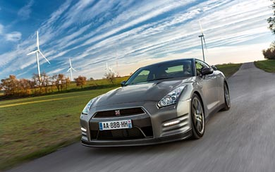 2013 Nissan GT-R wallpaper thumbnail.