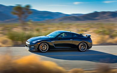 2014 Nissan GT-R Track Edition wallpaper thumbnail.