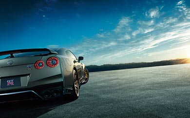 2022 Nissan GT-R T-Spec wallpaper thumbnail.