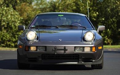 1983 Porsche 928 S wallpaper thumbnail.