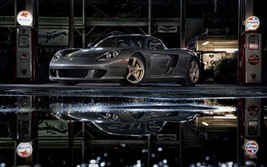 2004 Porsche Carrera GT wallpaper thumbnail.