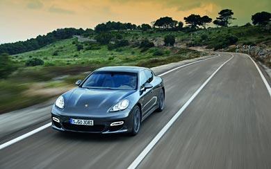 2011 Porsche Panamera Turbo S wallpaper thumbnail.