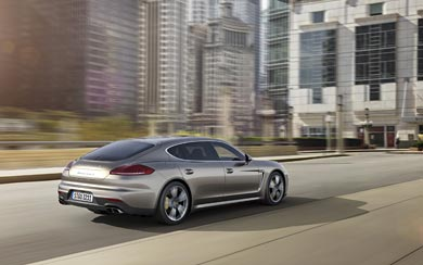 2014 Porsche Panamera Turbo S wallpaper thumbnail.