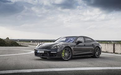2018 Porsche Panamera Turbo S E-Hybrid wallpaper thumbnail.